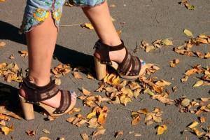 Sandale cu toc block