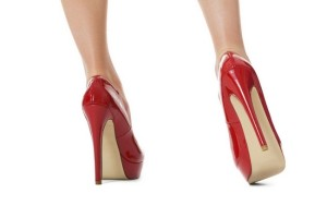 Tocul stiletto, simbol fashion al feminității