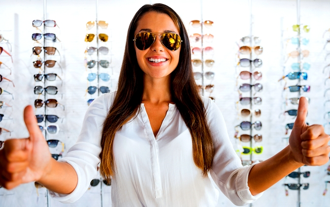 Află cu precizie mărimea ochelarilor de soare